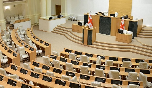 Parliament approves anti-crisis budget