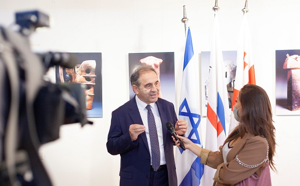 An Exhibition of the Israeli Painter and Sculptor Held in Tbilisi