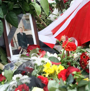International community mourns President Lech Kaczynski