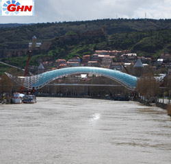 President observed Tbilisi districts`construction works
