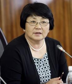 Rosa  Otunbaeva intends to restrict education in Russian language