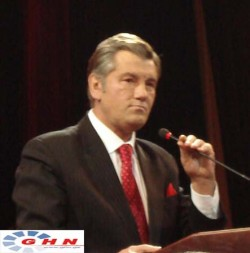Viktor Yushenko demands to question Putin