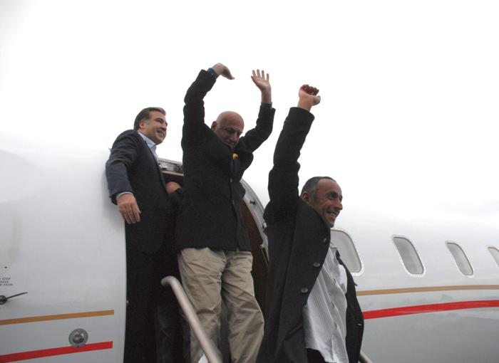 Released Georgian sailors back to Georgia
